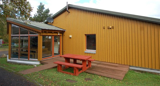HILLEND LODGE - Sleeps 18